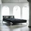 Skån din ryg med en ny seng når du flytter hjemmefra.