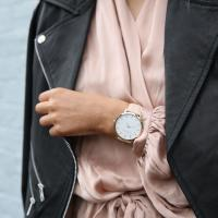 Here you will find beautiful ladies watches in delicious price ranges