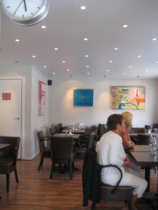 Café Under Elmene