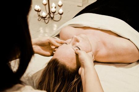 thai massage hvam massage side
